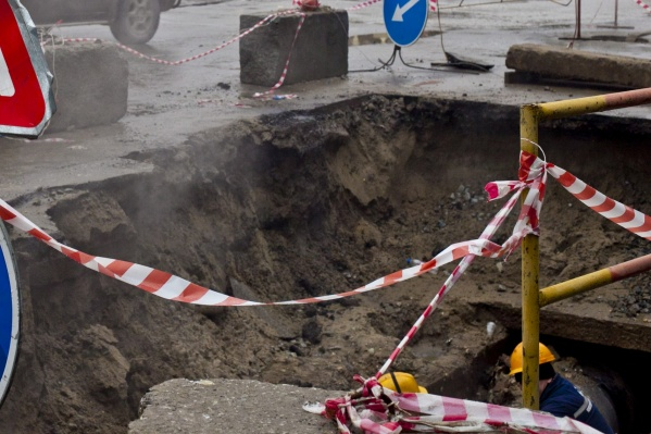Происшествие случилось во время работ на теплотрассе на улице Станционной