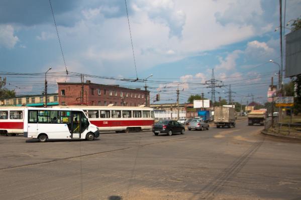 Сейчас на Заводском шоссе идут работы на участке от XXII Партсъезда до улицы Земеца