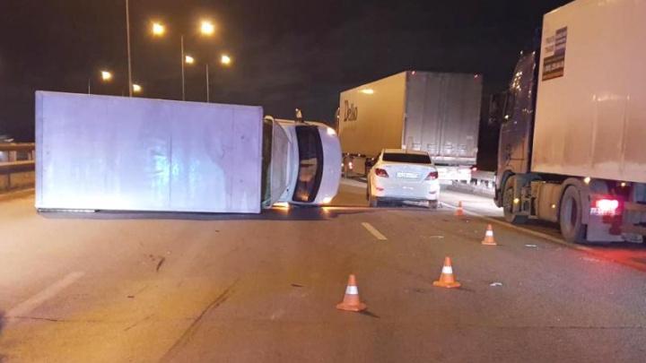 На трассе Пермь — Екатеринбург водитель легковушки пострадала в ДТП с грузовиком