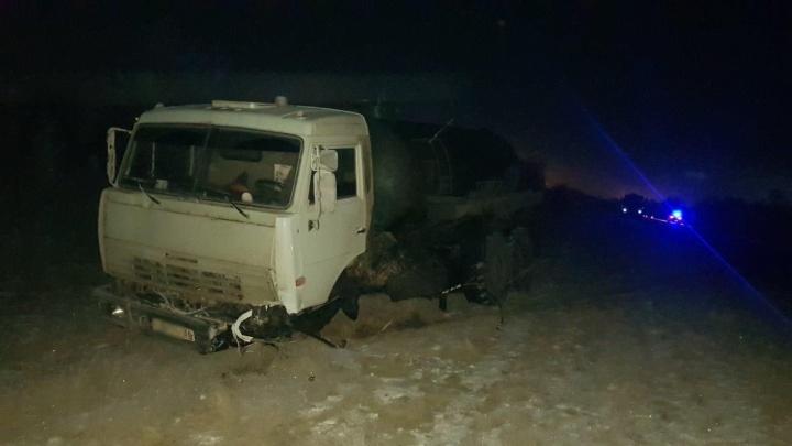 Погибли две женщины: появились подробности ДТП с «Опелем», залетевшим под КАМАЗ в Самарской области