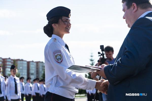 Работа в полиции в омске для девушек практическая работа исследование биологических моделей в excel