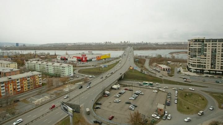 Придуман способ избавиться от пробок при съезде на правый берег с Октябрьского моста