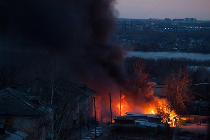 Новосибирцы заметили столб дыма около 18:40