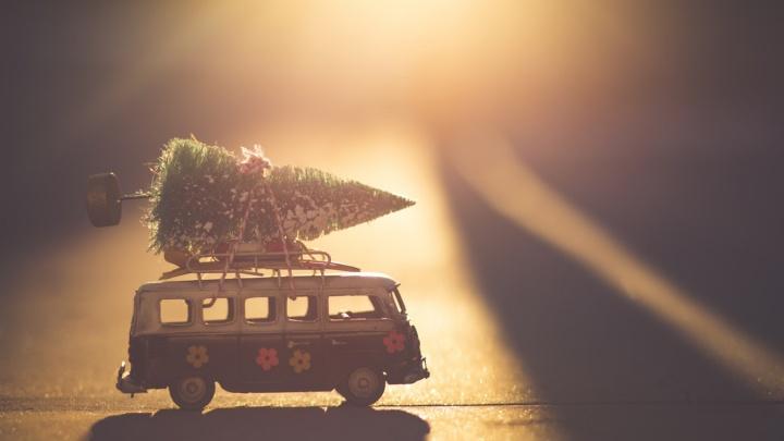 Новоселье в подарок: почему выгодно покупать жильё перед Новым годом