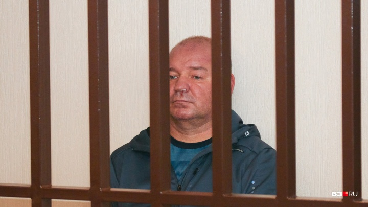 С кровью на лице: суд арестовал первого заместителя начальника Куйбышевской железной дороги