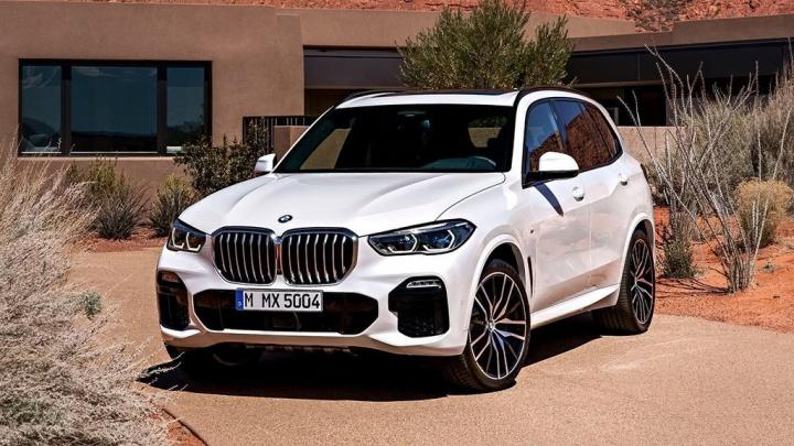 Новосибирцы набросились на немецкие BMW: больше всего берут легендарный X5 с огромными ноздрями