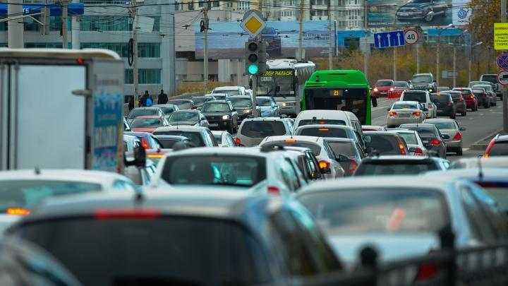 Выкручивайтесь, как хотите: в выходные пере(к)роют половину центра Екатеринбурга