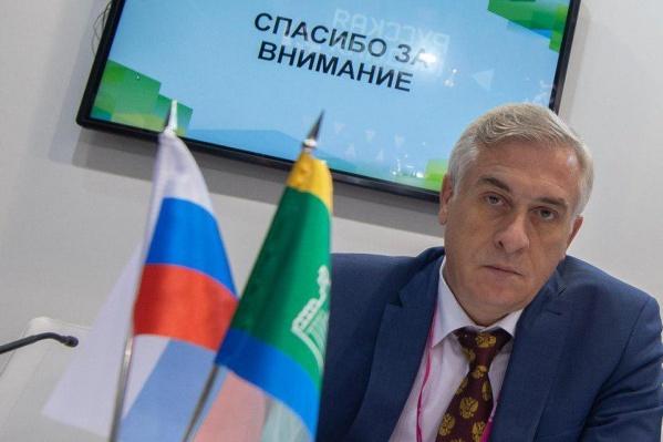В Минобрнауки максимально обтекаемо прокомментировали действия ректора УрГЭУ Якова Силина