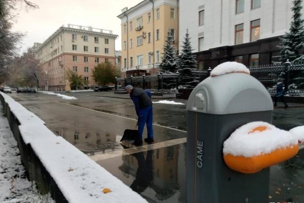Обещание мэра о таянии снега выполняется прямо на глазах