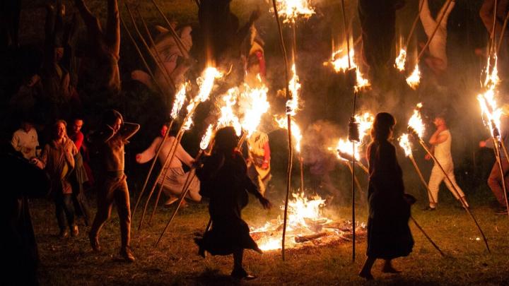 Прыжки через огонь, вернувшийся Рэмбо и деспотичная Альба: что покажут пермским зрителям