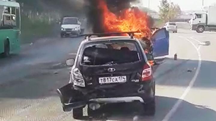 «Выехал на встречку и загорелся»: подробности столкновения четырех автомобилей на Полевском тракте
