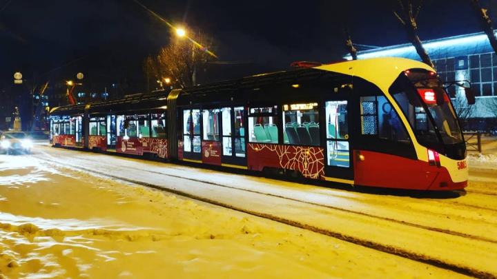 В Перми начали тестировать новые трамваи «Лев» и «Львенок»