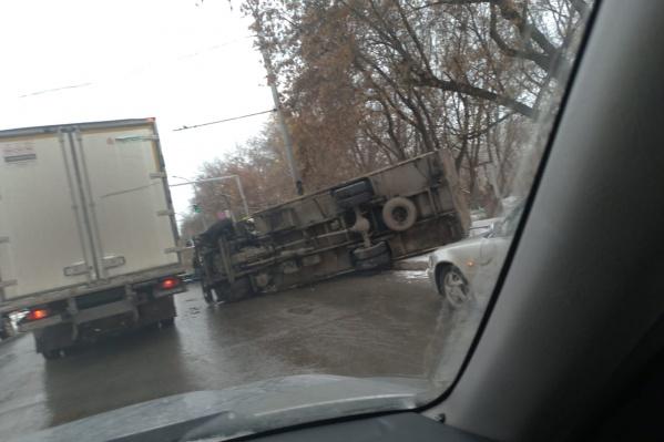 ДТП произошло недалеко от остановки«Сибэлектротерм»