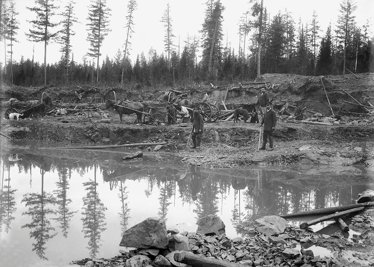 Разработки в открытом руднике около Соликамска