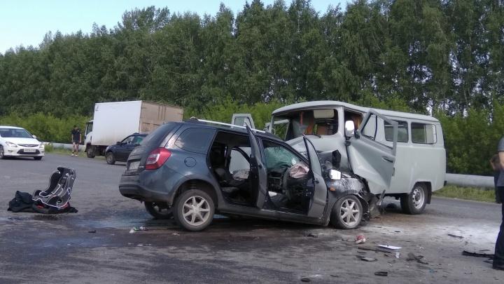 На трассе в Башкирии столкнулись «буханка» и Hyundai ix35: пострадали трое
