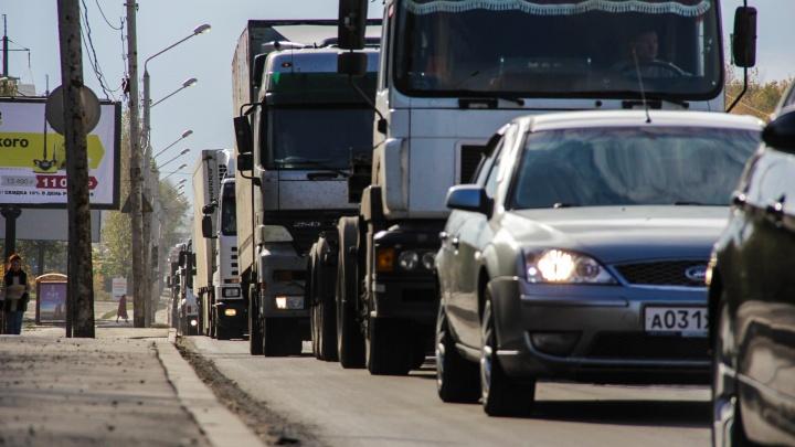 В Ростове на Нагибина отменили полосу для автобусов