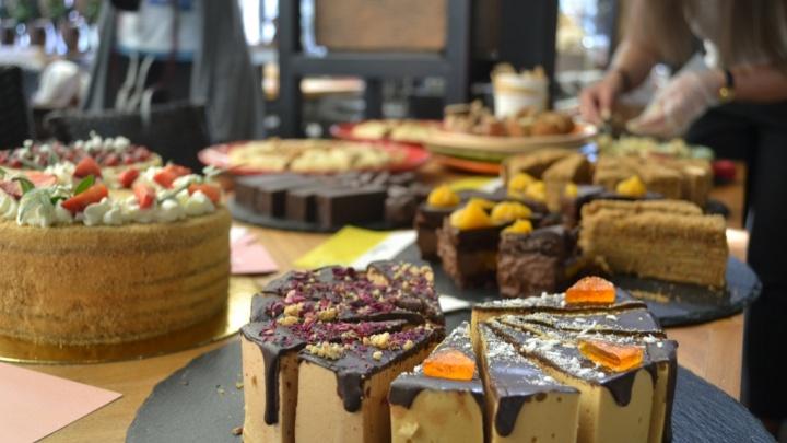 Съедобные улитки из Переславля и веганские десерты: в Ярославле начнут готовить необычные блюда