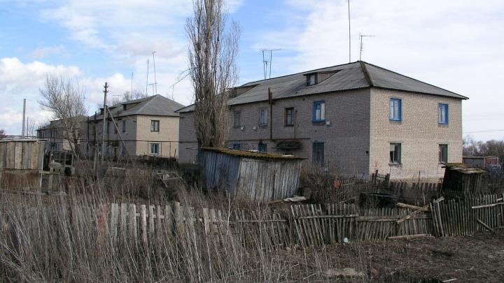 По одному на 19 школ: в Волгоградской области дадут по миллиону рублей 26 педагогам, уехавшим в село
