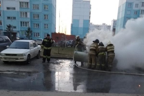 Пожар на улице Спортивной начался рано утром