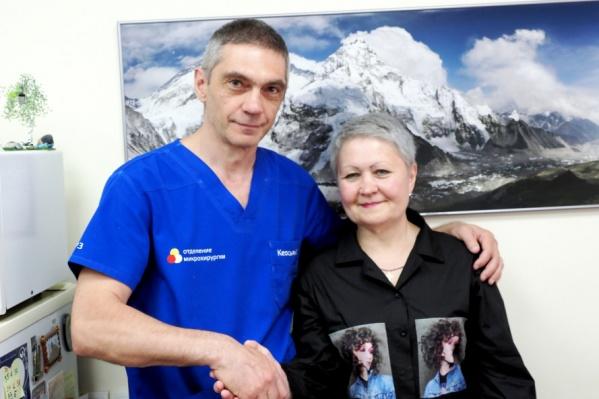 Пальцы женщины шевелились уже после операции. Но чувствительность возвращалась постепенно, и то, что она вернулась, — настоящее чудо