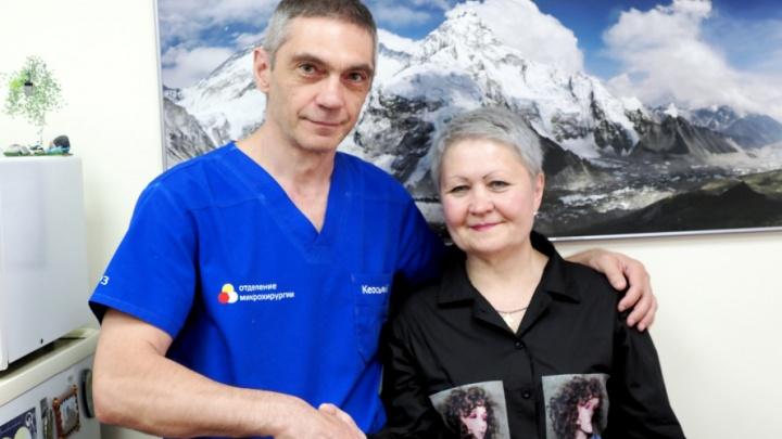 Женщине оторвало кисть мясорубкой. Спустя два года к пальцам начала возвращаться чувствительность