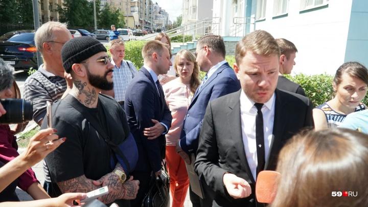 Врачи запретили DJ Smash лететь в Пермь на вынесение приговора тем, кто избил его в ночном клубе