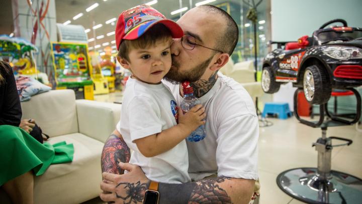 «Я пытаю детей»: история брутального парикмахера, который не смог повзрослеть
