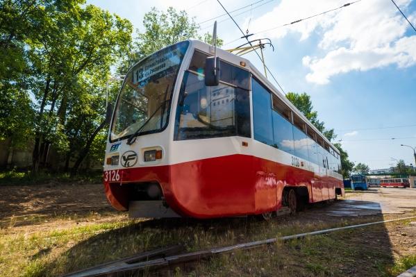 Новосибирск получил в подарок 20 подержанных московских трамваев