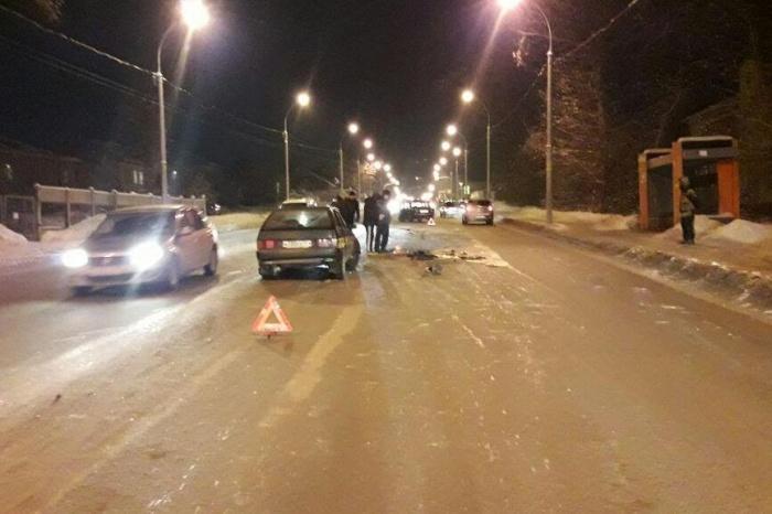 Авария на улице Кирова, где пострадала 13-летняя девочка, случилась, по словам водителя, на скользкой дороге