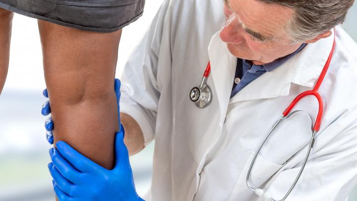 От варикоза до тромбоза — всего шаг:5 важных вопросов о причинах и опасности расширения вен