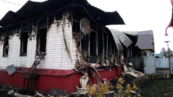 В Башкирии загорелся дом, в котором находилась семейная пара, один человек погиб