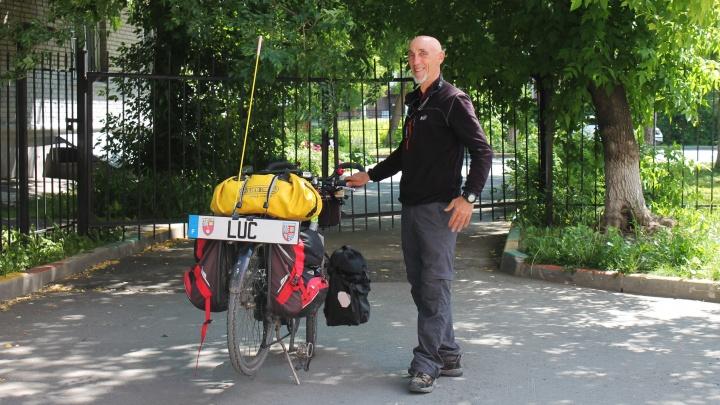 «У вас дороги хорошие»: француз проехал на велосипеде почти 95 000 километров и похвалил Новосибирск