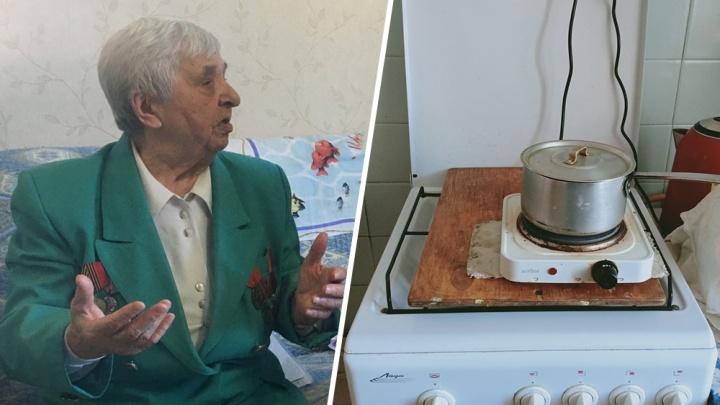 «Готовлю еду ночью»: в Самаре 91-летнего ветерана войны оставили без газа