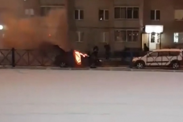 Машина сгорела очень быстро