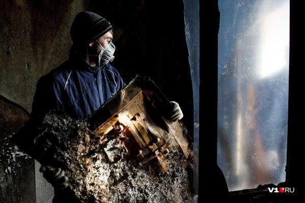 Пожар вспыхнул на границе Краснооктябрьского и Городищенского районов
