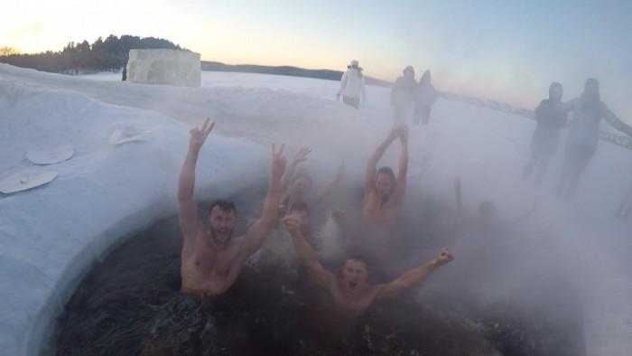 Актёрам понравилось купаться в мороз