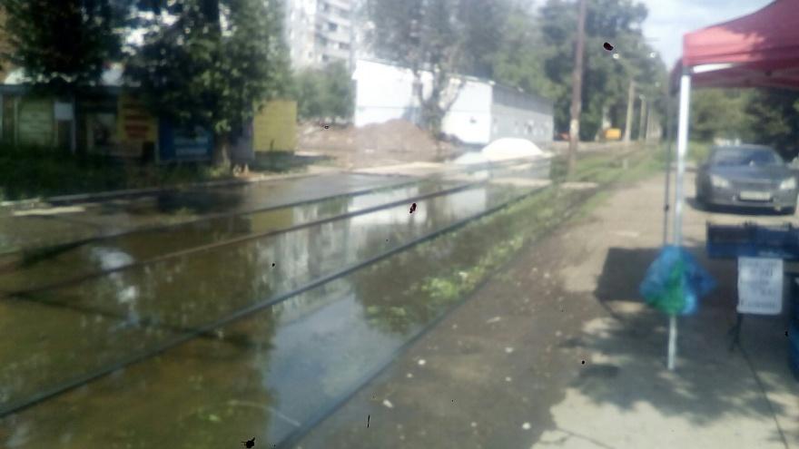 Затопило рельсы, осушило краны: стало известно, когда вернут воду в дома на Советской