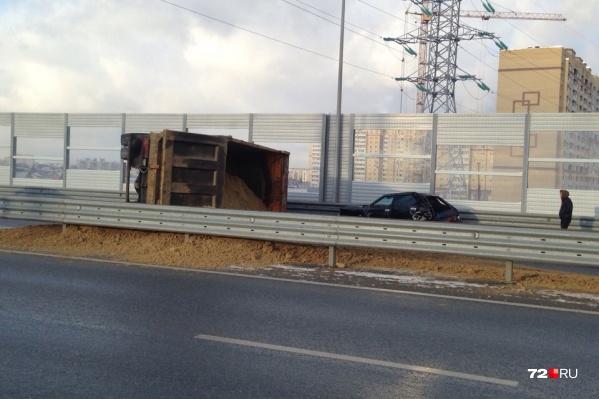 Автомобилистов, которые едут со стороны Пермякова, отправляют в объезд