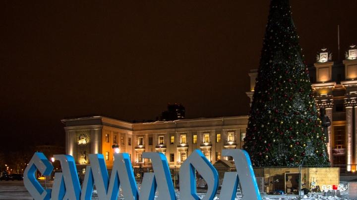 На площади Куйбышева установят новую 26-метровую новогоднюю ёлку