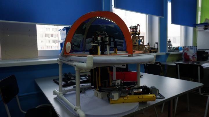 Красноярские школьники создали из «Лего» прототип лунной базы и едут с ним в Турцию