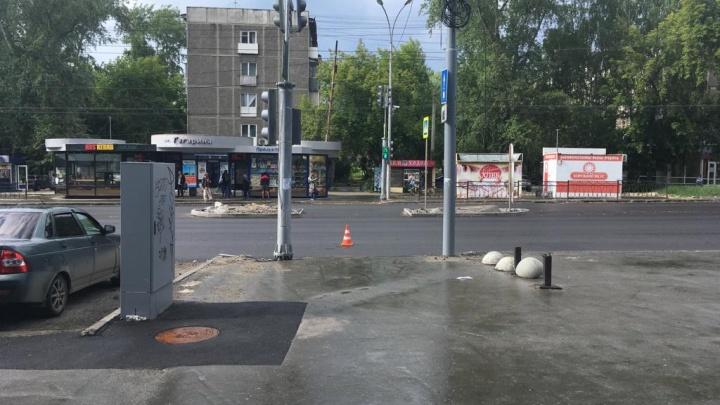 Во Втузгородке мужчина на Audi сбил пешехода и скрылся, полиция разыскивает водителя