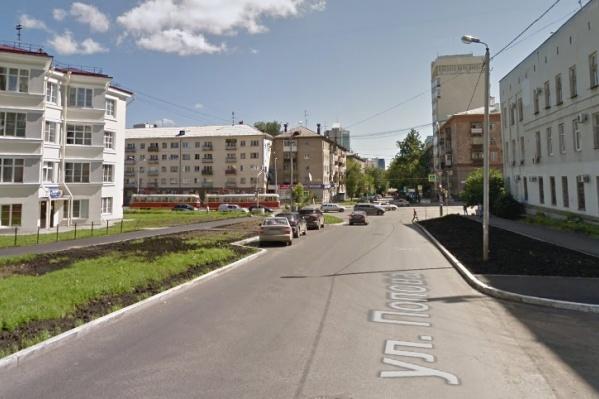 Улица Попова долго была односторонней из-за реконструкции дорог к ЧМ-2018