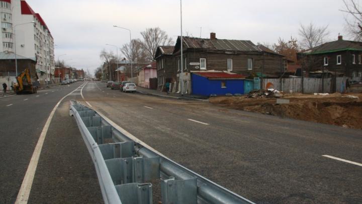 На съезде с Фрунзенского моста установят стелу