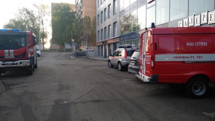 Горим! В Самаре из гостиницы «7 Авеню» эвакуировали 42 человека