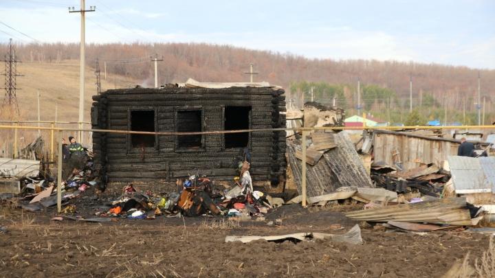 «Детей нашли у двери. Они пытались выбраться»: соседи — о пожаре в Старом Буяне