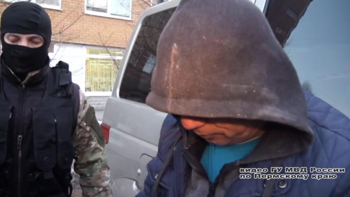 В Перми будут судить банду из десяти наркодилеров. Их главаря объявили в розыск