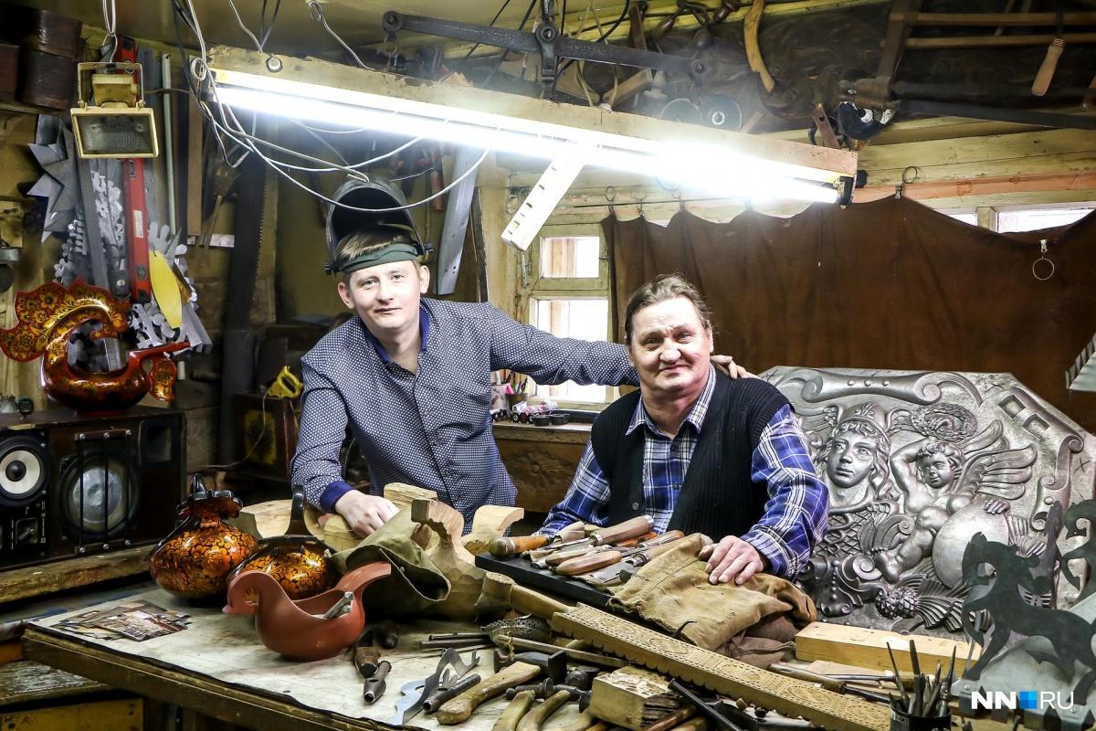 Иван и Виктор Галибины в своей мастерской