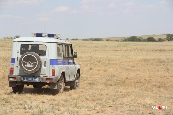 Потерявшуюся в поле женщину искали вместе с полицией