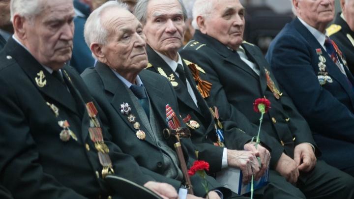 У должника из Башкирии случайно нашли медали ветерана Великой Отечественной войны