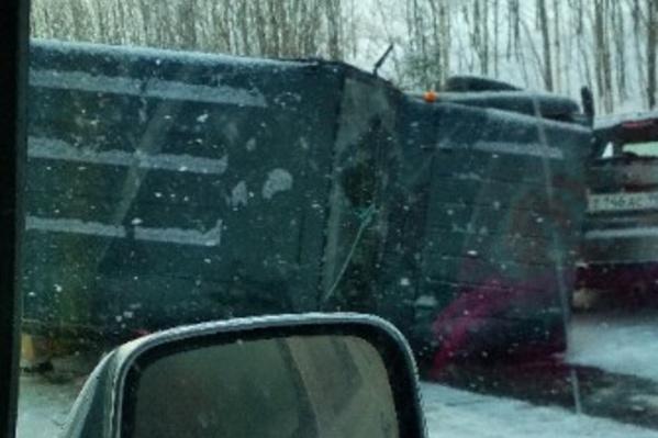 Предварительная причина аварии — УАЗ выехал на встречную полосу